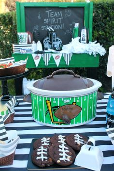 LAURA'S little PARTY: Show your team spirit with Coca-Cola! On game day, I love to simmer little smokie sausages in bbq sauce. It super easy to prepare, and also filling. My football themed crock-pot from Walmart serves up the perfect batch for my guests, every time! #footballparty #tailgate #gameday #goodeats