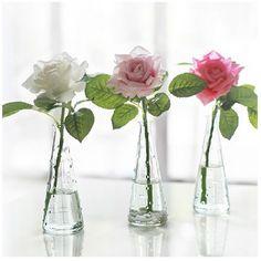 Lot de 12 vases en verre  22€
