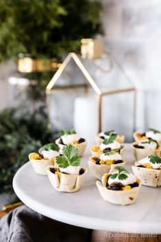 Are you ready to take your holiday appetizers to a new level? Start with Tillamook cheddar cheese to create these Black Bean and Corn Taco Bites. They're the perfect appetizers for a party with your friends and family this holiday season! Quick And Easy Appetizers, Easy Appetizer Recipes, Holiday Appetizers, Yummy Appetizers, Party Appetizers, Mexican Picnic, Tillamook Cheese, Taco Bites, Picnic Dinner