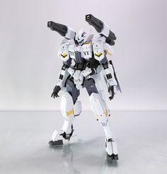 MODELER: Hf_clam2005  MODEL TITLE: ASW-G-64 Gundam Flauros [White ver.]  MODIFICATION TYPE:  custom color scheme, custom details, custom de...