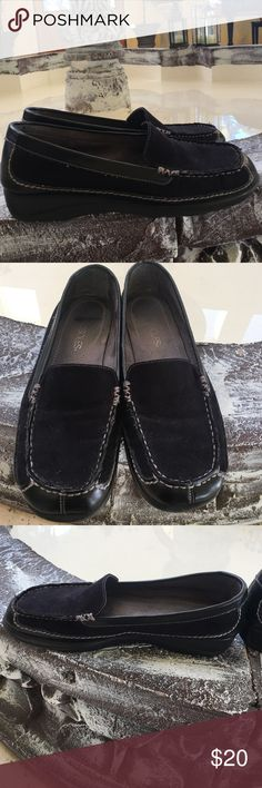 Aerosoles black suede-like loafers size 6 1/2 Aerosoles brand. Extremely comfortable! Black suede-like women's loafers size 6 1/2. They have a slight incline. I would not call them wedges but they are not completely flat either. Beautiful stitching. No scuffs. Excellent condition. AEROSOLES Shoes Flats & Loafers