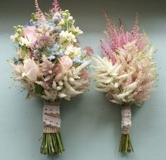 Excellent high summer bouquets from www.weddingsonline.ie (see source!)
