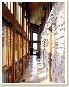 Trombe wall - Like the feel Architecture Images, Architecture Details, Trombe Wall, Solar Chimney, Stained Glass Studio, Eco Buildings, Timber Walls, Hillside House, Masonry Wall