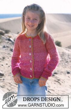 """Lindsay Smiles – DROPS jacket with raglan in """"Muskat"""" and """"Vivaldi"""" – Free pattern by DROPS Design - Baby Knitting Patterns, Knitting Designs, Knitting Projects, Crochet Patterns, Knitting For Charity, Knitting For Kids, Easy Knitting, Drops Design, Cardigan Pattern"""