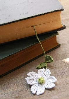 Flores tejidas para separadores de libros : cositasconmesh