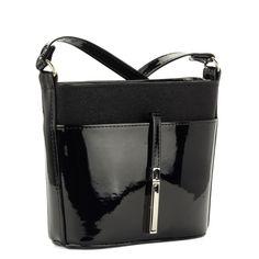 Fekete Prestige alkalmi táska osztatlan belső térrel. Belsejében cipzáros  zseb és telefonzseb kapott helyet. 13de59330f