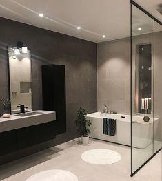Badkamer strak French Bathroom, Modern Farmhouse Bathroom, Grey Bathrooms, Small Bathroom, Best Online Furniture Stores, Furniture Shopping, Affordable Furniture, House And Home Magazine, Bathroom Interior Design