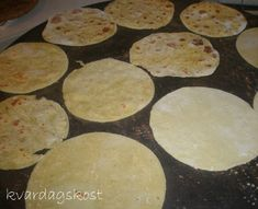 Norwegian Food, Norwegian Recipes, Griddles, Griddle Pan, Food And Drink, Health Fitness, Cookies, Baking, Desserts