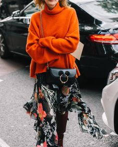"""910 Likes, 6 Comments - Diego (@collagevintage2) on Instagram: """"Orange sweater #streetstyle"""""""