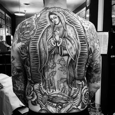Here's a quick rundown on the major tattoo styles of the contemporary tattoo scene. Backpiece Tattoo, Chicanas Tattoo, Mary Tattoo, Jesus Tattoo, Tattoo Drawings, Virgen Maria Tattoo, Tattoo Virgen, Catholic Tattoos, Religious Tattoos