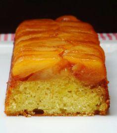 """Ça faisait un bon moment déjà que j'avais pensé réaliser un """"cake tatin"""" mais quand j'ai vu le résultat sur le blog de Manue , je n'ai pas..."""