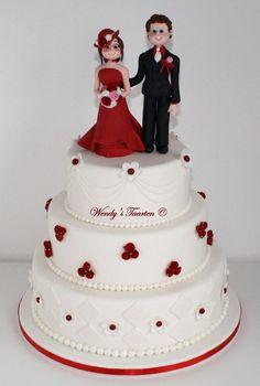 Wedding cake with wedding couple