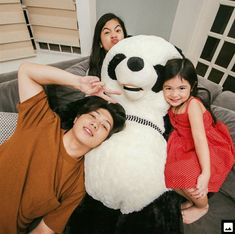 Prank on natalia! Bro Quotes, Ranz Kyle, Siblings Goals, Dancers, My Idol, Youtubers, Evans, Mickey Mouse, Disney Characters