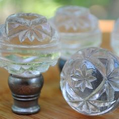 knobs for dresser Vintage Lamps, Unique Vintage, Tea Cup Lamp, Antique Door Knobs, Dresser Knobs, Glass Knobs, Mason Jar Wine Glass, Old Doors, Diy Painting