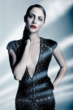 3 Times Willa Holland Aced the Slicked-Back & Willa Holland, Thea Queen, Beautiful Celebrities, Beautiful People, Black Dress Red Carpet, Tv Show Casting, Cw Series, Celebrity Photography, Young Actresses