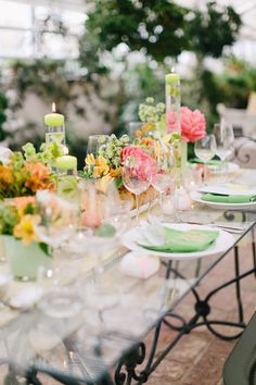 green and peach tablescape