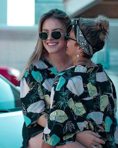 uero deixar registrado que cada milímetro do meu corpo é apaixonado por você. É incrível como você me deixa com vontade de realizar todos Lesbian Hot, Cute Lesbian Couples, Lesbian Wedding, Cute Couples Goals, Cute Couple Dancing, Lesbian Love Quotes, People's Friend, Girlfriend Goals, Photo Couple
