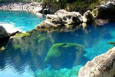 Turquoise Pool, Chile  photo via seababe