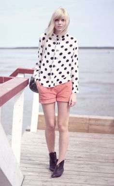 blush shorts+polka dot blouse=an easy super cute look! Polka Dot Blouse, Polka Dots, Dressed To Kill, Spring Summer Fashion, Passion For Fashion, Style Me, Fashion Outfits, Ladies Fashion, Style