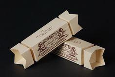 Упаковка для конфет в виде конфеты.