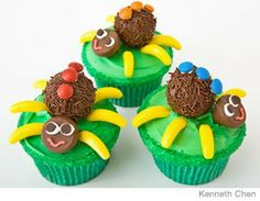 Spider Cupcakes Design   How to make a spider critters cupcakes with chocolate truffles. Easy, step-by-step recipe, diagrams and pictures.  31 Incredible Birthday Cake Designs, Step-by-step recipes, designs and color pics of the easiest (and cutest) birthday cakes for boys and girls.