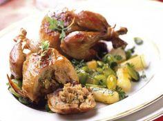 Avec les lectrices reporter de Femme Actuelle, découvrez les recettes de cuisine des internautes : Cailles farcies au foie gras