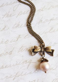 Victorian Bow Indie Necklace | Modern Vintage Jewelry
