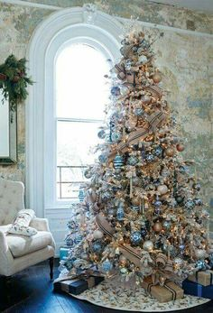15 christmas tree decorating ideas you should consider this year 14 - Blue Christmas Tree Decoration Ideas