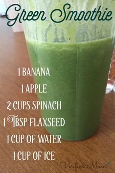2 Quick & Simple Recipes That Really Keep You Satisfied Smoothie vert facile recette Smoothie Detox Plan, Detox Smoothie Recipes, Juice Smoothie, Detox Drinks, Healthy Drinks, Detox Juices, Cleanse Recipes, Cleansing Smoothies, Turmeric Smoothie