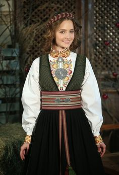Spring Outfits Women, Hardanger Embroidery, Traditional Clothes, Autumn, Fall, Alter, Filigree, Sew, Iron