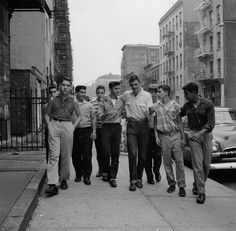 vintage everyday: The Manhattan 'Brotherhood Republic' – Pictures of a Teenage Street Gang in New York City in 1955