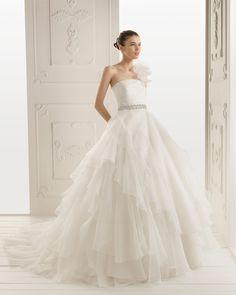 RITA - Vestido de organza royal y pedrer?a en color marfil