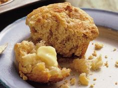 Easy & Yummy Apple-Cheddar Muffins