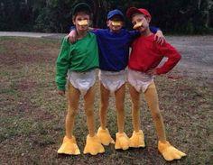 Make a tick trick track costume yourself - karneval - Halloween Halloween Costumes Triplets, Funny Group Halloween Costumes, Crazy Costumes, Boy Costumes, Carnival Costumes, Costume Halloween, Disney Costumes For Boys, Costume Ideas, Mouse Costume