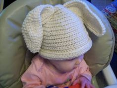 My girls love to wear hats, so last week I searched for a free crochet bunny hat pattern. Easter Crochet Patterns, Crochet Bunny, Crochet Baby Hats, Love Crochet, Crochet For Kids, Baby Patterns, Knit Crochet, Double Crochet, Bunny Hat