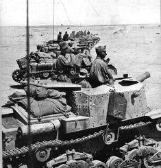 Libia - Linea del Qattara - Semoventi 18/35 pronti all'azione.