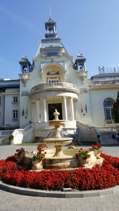 Beautiful Castles, Beautiful Buildings, Beautiful Places, Bucharest Romania, Around The Worlds, Mansions, Country, House Styles, Aesthetics