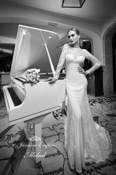 Wedding dress Melodi photo 1