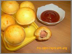 10cl de lait 2 oeufs 20g de parmesan 180g de farine 1/2 sachet de levure chimique 1 cuillère à soupe d'huile d'olive 1 cuillère à soupe de moutarde Sel Poivre 15min 180°C