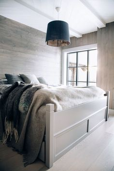 Chalet style floor to ceiling wood-paneling. Home, Home Bedroom, Bedroom Interior, Cabin Interiors, House Interior, Bedroom Inspirations, Home Interior Design, Home And Living, Cabin Bedroom