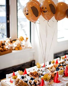 puppy themed balloons/party