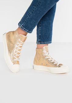 3f4f2d83bf34 CHUCK TAYLOR ALL STAR 70 - Höga sneakers - gold egret