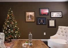 This military couple deserved something special, and family keepsakes are great artistic pieces that make a space feel like home.