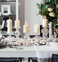 White christmas decorations candles on table Luxury Christmas Tree, Christmas Room, Christmas Design, White Christmas, Simple Christmas, Christmas Ideas, Christmas Stuff, Xmas, Christmas Candle Decorations