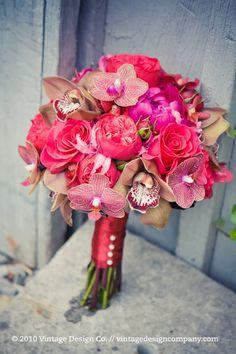 Niagara Wedding Florist // Red Bride's Bouquet