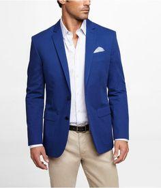 S blue blazer, white dress shirt, beige chinos, white pocket. Blue Blazer Outfit Men, Blazer Outfits Men, Mens Fashion Blazer, Navy Blue Blazer, Pink Chinos, Beige Chinos, Blue Outfits, Casual Blazer, Men's Fashion Styles
