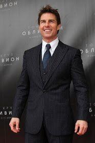 Tom Cruise at event of Oblivion Tom Cruise, Logan Lerman, Amanda Seyfried, Hollywood Actor, Hollywood Celebrities, Chris Hemsworth, Terno Slim Fit, Mode Costume, Z Cam
