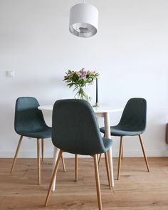 Interior Im Luftigen Nordischen Design Kombiniert Mit Einer Wunderschönen  Transparenten Vase U0026 Frischen