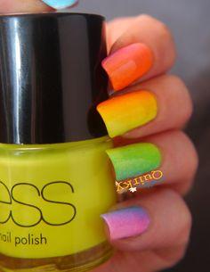 Neon-Gradient-Nails-4