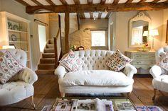 Cottage, old cottage, cottage homes, english cottage interiors, english cot Cottage Living Rooms, Living Room Modern, My Living Room, Home And Living, Living Spaces, Old Cottage, French Cottage, Cottage Homes, Cottage Ideas